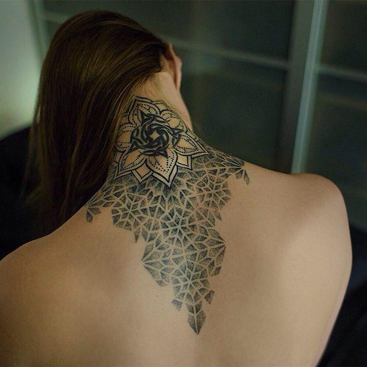 фото узоры тату на шее была очень