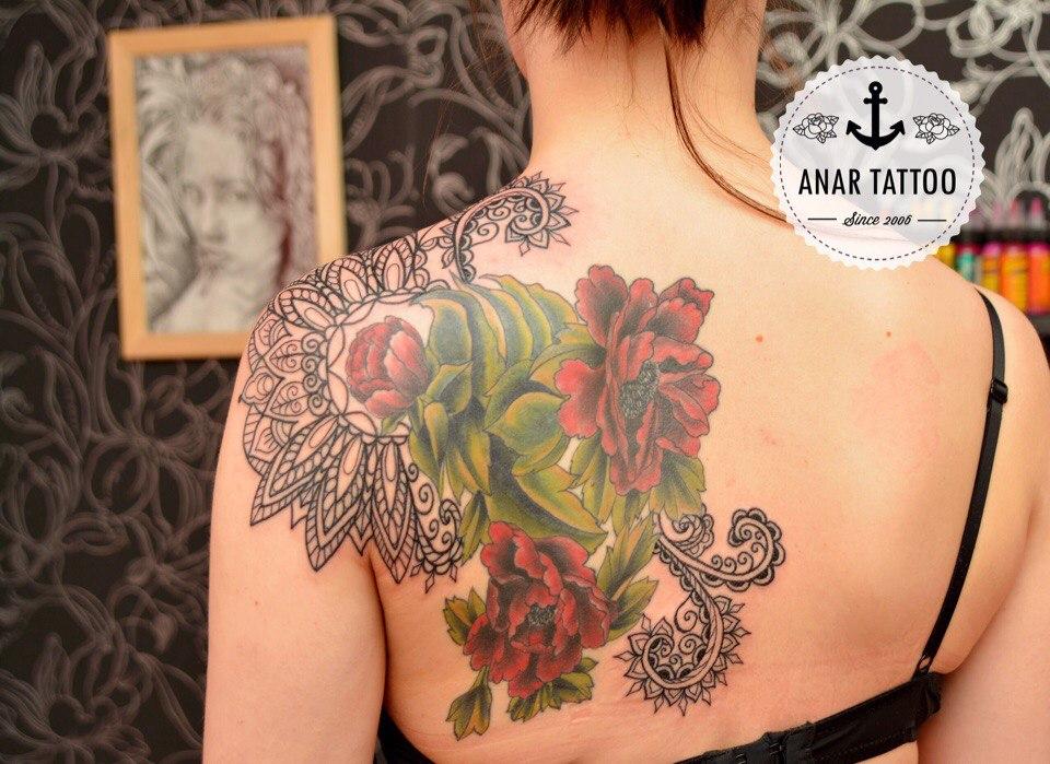садится фото женских тату цветов на лопатку интервью изданию цибульская
